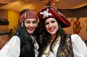 Ingrid Dietrich und Tochter hatten alle Hände voll zu tun um den Piraten den letzten Feinschlief am Tanzparkett beizubringen, unser herzliches Dankeschön für dieses schier unmenschliche Unterfangen.